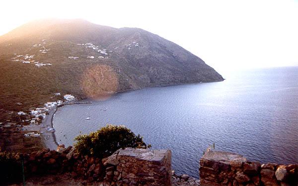 Filicudi porto visto dal villaggio preistorico di capo graziano